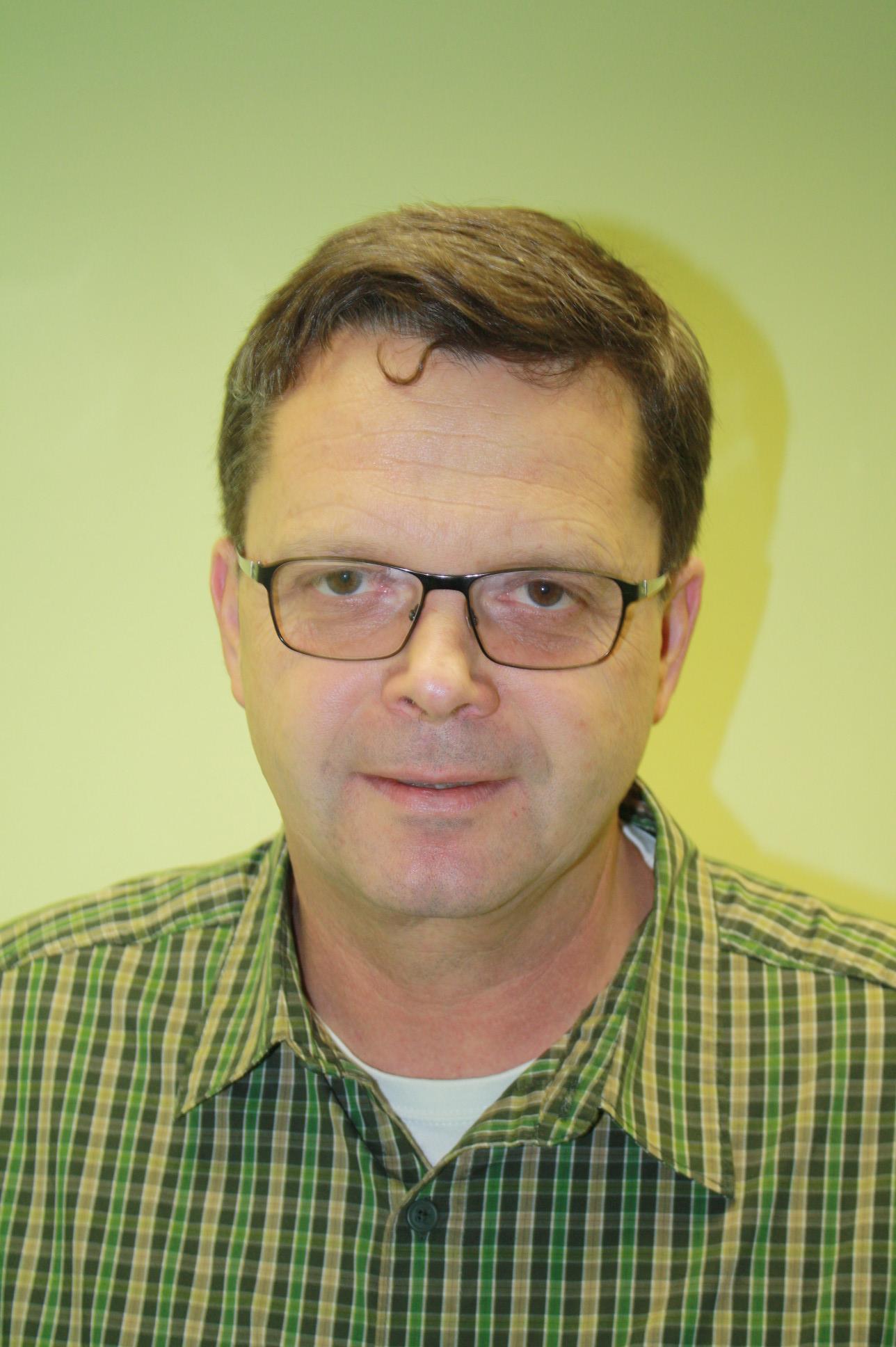 Dr. (CS) Martin Kubat